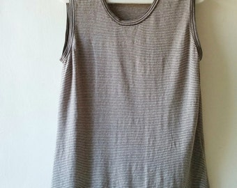 Vintage grey pinstripe linen knitted sleeveless blouse. Size medium M