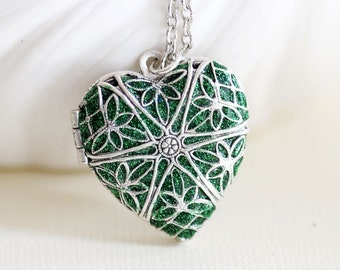 Locket Necklace, Emerald Green Silver Locket,Jewelry,May Birthstone Necklace,Silver Heart Locket,Bridal,photo locket ,Wedding,bridesm