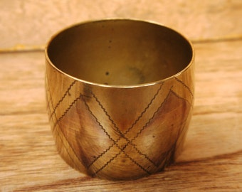 Vintage Wide Etched Brass Bangle c.1970s