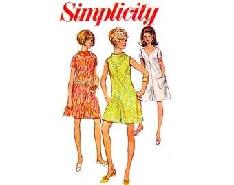 1960s Pantdress Romper in 2 Lengths Vintage Sewing Pattern Size 12 Bust 34 Simplicity 7471 High Mod neckline v neck geometric scooter girl