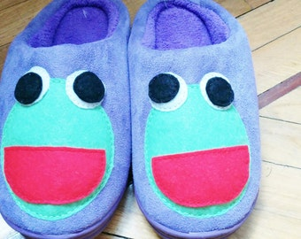 Frog slippers,womens slippers,woman slippers,frog home shoes,purple slippers,funny slippers,animal slippers,kawaii slippers,froggy slippers
