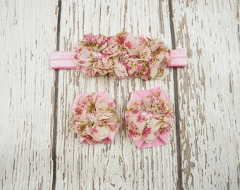shabby flower barefoot sandals, barefoot sandals, baby shoes, baby sandals, floral sandals, headband set, flower shoes, sandal set, footies