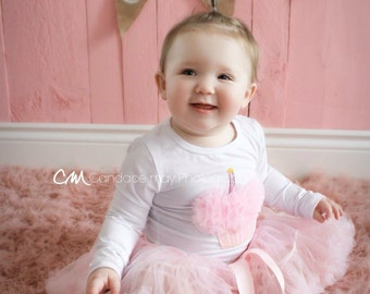 first birthday outfit- 1st birthday outfit- pink birthday outfit- tutu birthday outfit- cupcake birthday outfit- girl birthday outfit- tutu