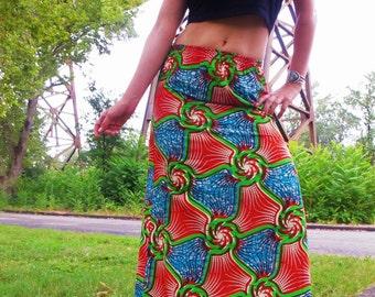 SALE 1970s 60s hand dyed geometric vortex psychedelic spirals mandala maxi skirt wax print vintage // size: M / S