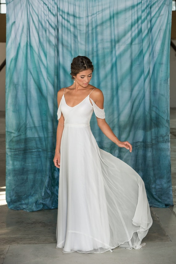 Modern V Neck Wedding Dress : Modern simple v neck wedding dress alternative destination