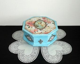 Hand painted shabby-chic blue box, distressed blue box, Shabby-chic turquoise Jewelry Box, storage, victorian antique box, trinket box