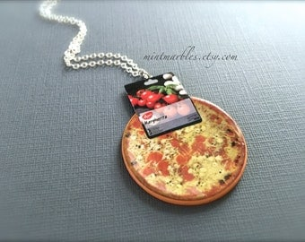 Margherita Pizza Necklace. Miniature Cheese Pizza. Italian Food. Kawaii Food Jewelry. Silver Chain. Fun. Whimsical. Unique Yummy. Oddities.