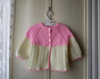 Vintage handknit baby sweater / knit baby cardigan / jumper in creamy beige and pink / baby girl newborn 0 to 12 months