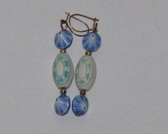 BLUE STAR BEAD Earrings // Vintage 80's Costume Pierced Earrings New Old Stock Deadstock Gold Hook Drop Dangle Earrings Estate 90's