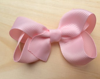 Baby pink hair bow - light pink bow