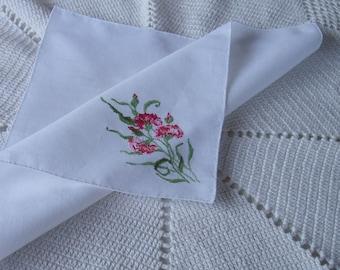 VINTAGE Floral Embroidered Hanky / pink & red carnations