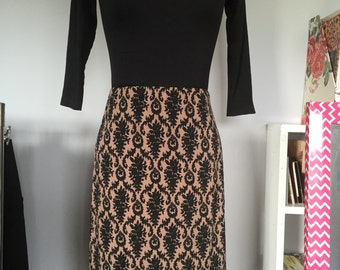 Womens Stretch Pencil Skirt with Black Border