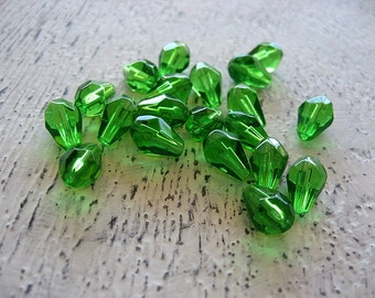 Lime Apple Green Faceted Glass Teardrop Beads, green teardrops, glass teardrops, faceted teardrops, teardrop, teardrop beads, green glass