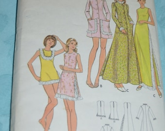 Butterick 6900 Misses Gown Panties and Robe  Sewing Pattern - UNCUT - Size 12 Bust 34