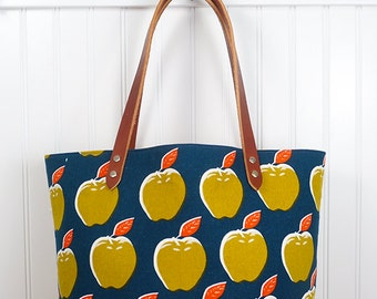 Market Tote with Leather Handles - Apples
