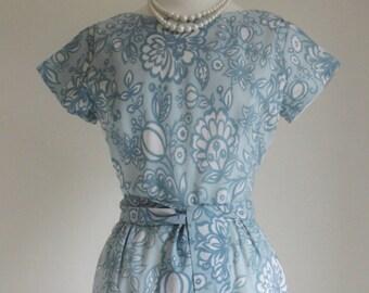 25% SALE - Vintage crepe 1960's Day Dress