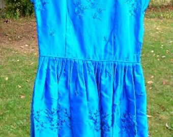 Vintage Embroidered Taffeta Oriental Syle Party Dress Size 6 ? Small