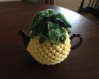 HOSPITALITY Hand Knitted Pineapple Tea Cozy for 4 to 6-cup teapot