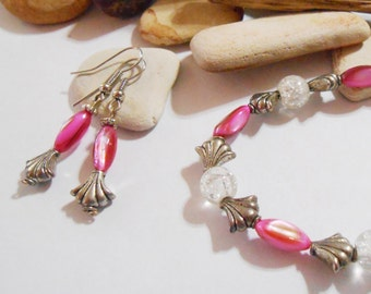 Hot pink bracelet and earrings. Fuchscia mother of pearl bracelet and earrings. Neon pink stone bracelet and earrings. Pink shell jewelry.
