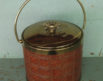 Unique Vintage Serv Master Creations Faux Leather and Brass Insulated Ice Bucket