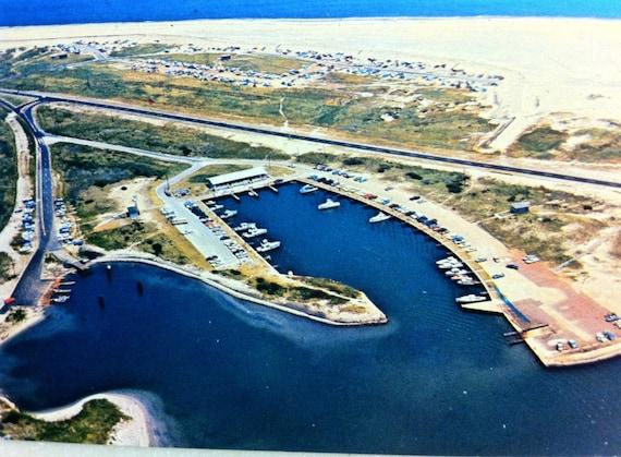 Vintage n c postcard outer banks of north carolina oregon for Outer banks fishing report oregon inlet