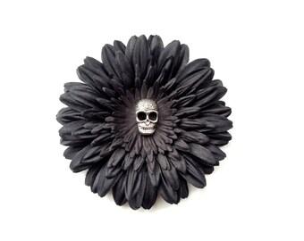 Black daisy skull flower hair clip (dia de los muertos, day of the dead)