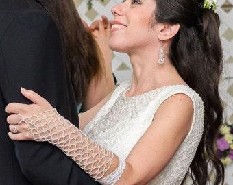 Pearl Czech glass long beaded fingerloop gloves. long beaded bridal gloves. beaded white wedding gloves. beaded lace up fingerless gloves