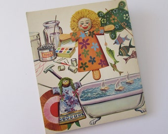 Vintage (1970s) craft book, 'Soft Toys & Dolls to make (from 101 toys to make)' by Hilarie Lindsay