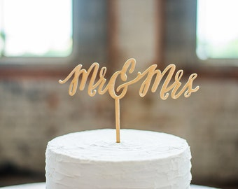 Mr and Mrs - Wooden Wedding Cake Topper - Calligraphy Style