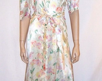 1940's  Floor Length Printed Peignoir in a Floral Sweet Pea Pattern