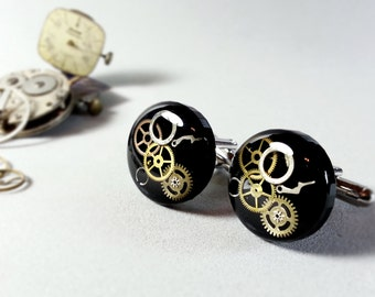 Black steampunk Cufflinks, Gears in resin, Steampunk resin Cuff links, Watch Parts, Upcycled Clockwork jewelry Geekery