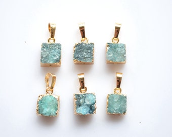 Nature 8-10 mm green drusy Druzy pendant, green Colored Druzy Cluster Pendant with Gold Electroplated Edges-- Round  Drusy Pendant