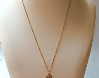 Golden brass necklace and drop in fine stone