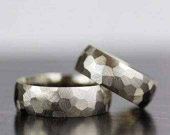 his and hers wedding band set modern wedding rings mens or womens hammered style - Modern Wedding Rings