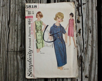 Simplicity 5818 1960s 60s Mod Sheath Dress Vintage Sewing Pattern Size 12 Bust 32
