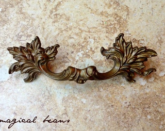 French Vintage Furniture Pulls Shabby Chic Dresser Pulls KBC Brass Drawer Pulls Vintage Dresser Pulls Antiqued Gold Baroque Leafy Handles
