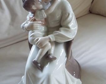 "large 11"" B&G Bing Grondahl Royal Copenhagen figurine MOTHER LOVE #1552 Ingebirg Irminger"