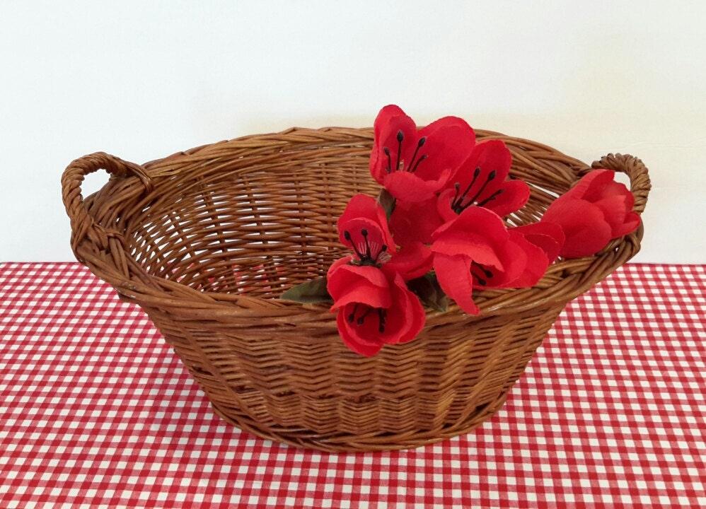 small wicker basket small oval basket wicker laundry basket. Black Bedroom Furniture Sets. Home Design Ideas