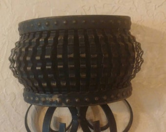 Pair of black metal retro wall-mounted plant holders