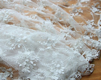 Three-dimensional embroidery lace fabric   Ivory  125cm width