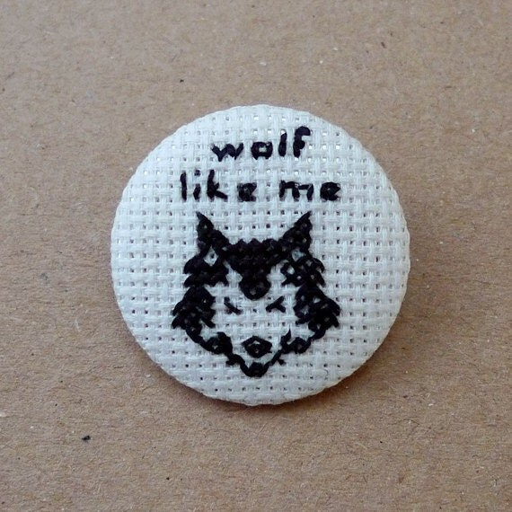 Wolf like me - TV on the radio - Music Cross stitch 31mm pinback button - Embroidered geek brooch