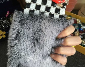 Bling Luxury Gray Soft Fluffy Fur Furry Lovely Lips Fashion Sparkles Charms Glossy Crystals Rhinestones Diamonds Gems Case for Mobile Phone