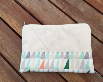 Green Triangles - Large Zipper Purse