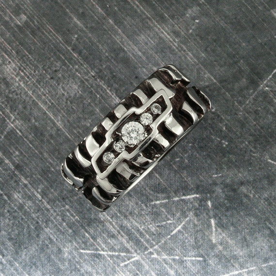 Desert Diamond Chevy Tire Tread Band Black Silver Plated