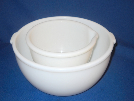set of two 2 white glass mixing bowls very heavy glass. Black Bedroom Furniture Sets. Home Design Ideas