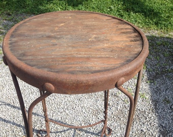 Vintage wire stool with wood seat