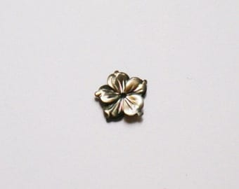Black mother of pearl flower . 10 mm