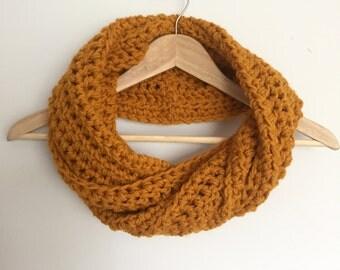 Chunky Crochet Scarf // Crochet Wool Infinity Scarf // Chunky Crochet Cowl // Chunky Cowl Scarf // Mustard Yellow Scarf