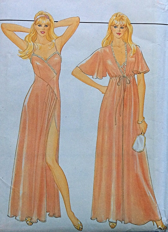 "Sexy ROBE & NIGHTGOWN, UNCUT, F/F, Size 16-18, Bust 38""- 40"", Butterick 4669."