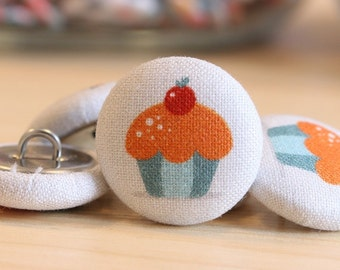 Fabric Covered Buttons - Muffin on White - 1 Medium Fabric Buttons